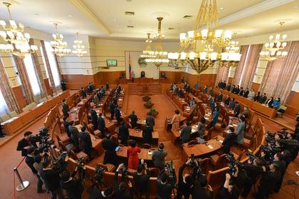 1920px-Mongolian_parliament_members